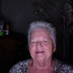 Sandi is looking for singles for a date