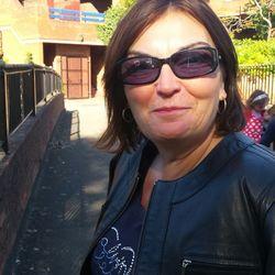 Lesley (59)