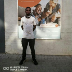 Siphiwe is looking for singles for a date