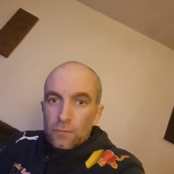 Craig is looking for singles for a date