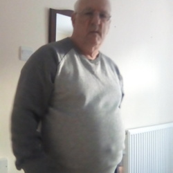 Redruth is looking for singles for a date
