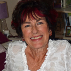 Beryl is looking for singles for a date