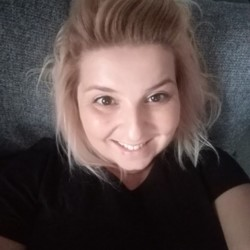 Miekelly is looking for singles for a date