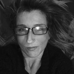 Caroline (51)
