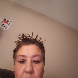 Ann, 46 from Alberta