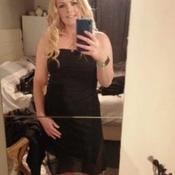 sexting  Larissa in Lisburn