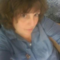 Marjie is looking for singles for a date
