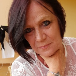 Lynn (47)