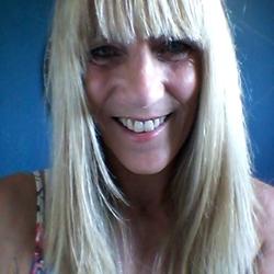 Lesley (56)