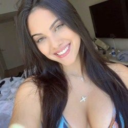 Sophia is looking for singles for a date