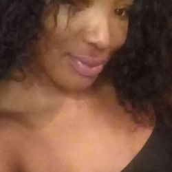 Shareen is looking for singles for a date