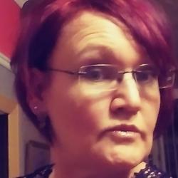 Julie (43)