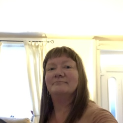 Philippa is looking for singles for a date