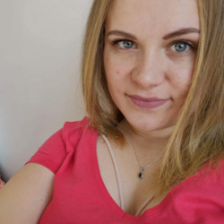Dorona is looking for singles for a date