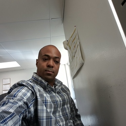 Nik, 38 from Missouri