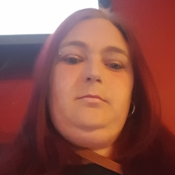 Katie is looking for singles for a date
