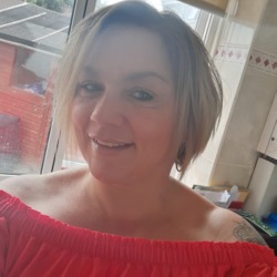 Clair is looking for singles for a date