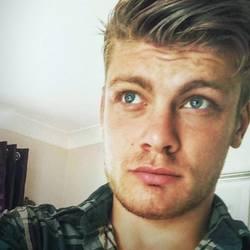 Brad (24)