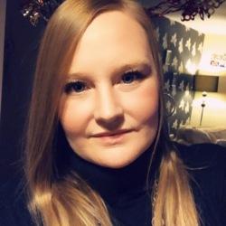 Nikki (33)